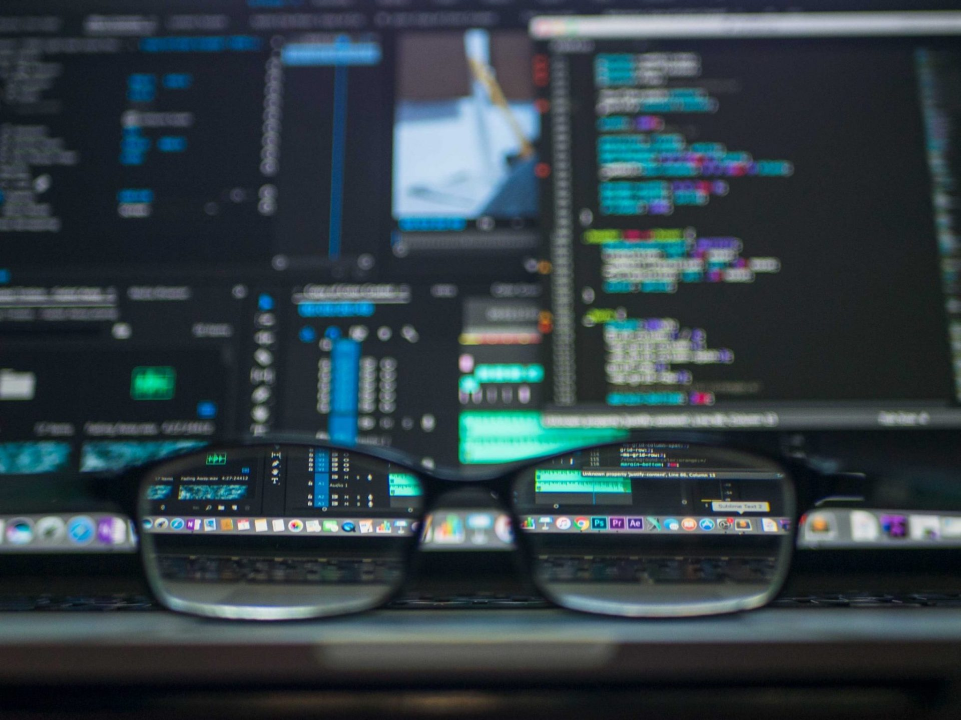 coding-computer-data-depth-of-field-577585-scaled